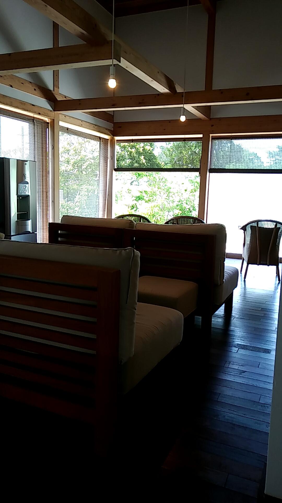 沖縄不妊治療専門空の森クリニックのソファ